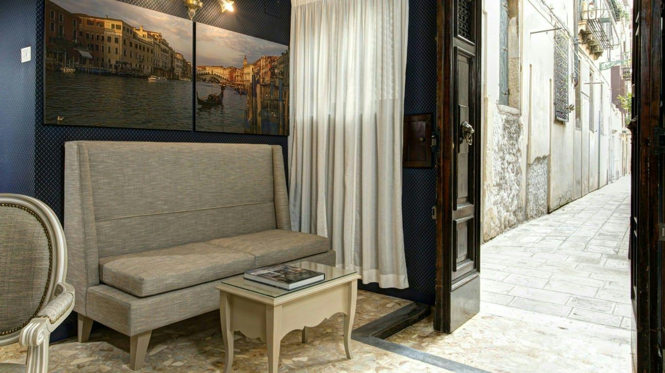 GKK Exclusive Private Suites Ca\' Arco Antico Venezia | Sito Ufficiale